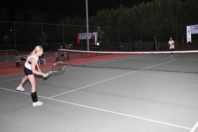 29 Ekim Cumhuriyet Kupası Tenis Turnuvası başladı