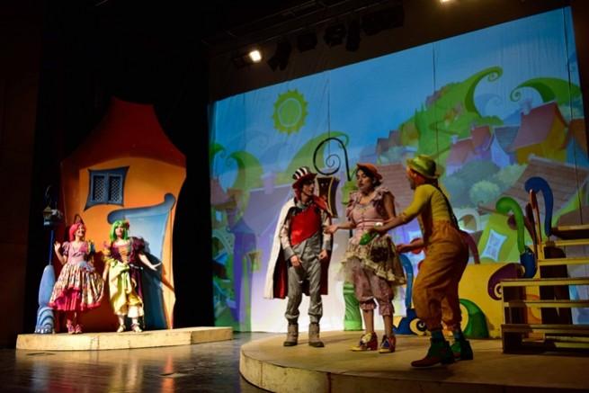 70 bin çocuk hayatlarında ilk kez tiyatro keyfi yaşadı