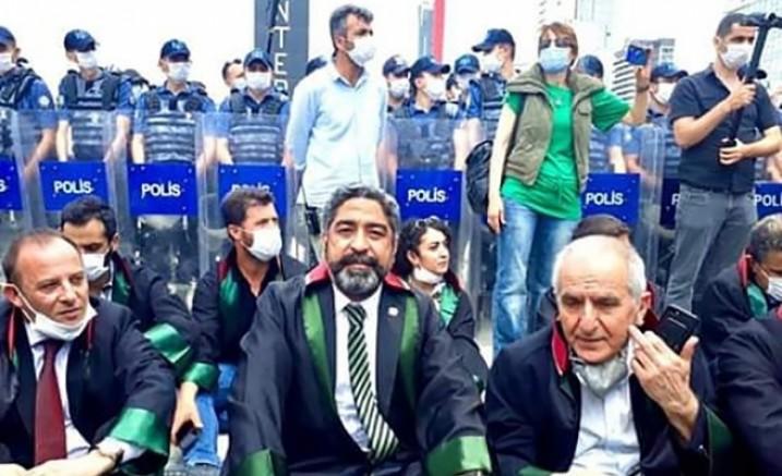 Adana Baro Başkanı Av. Küçük'ten engellemeye sert tepki