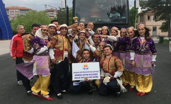 Adana Büyükşehir halk oyunlarında bölge şampiyonu