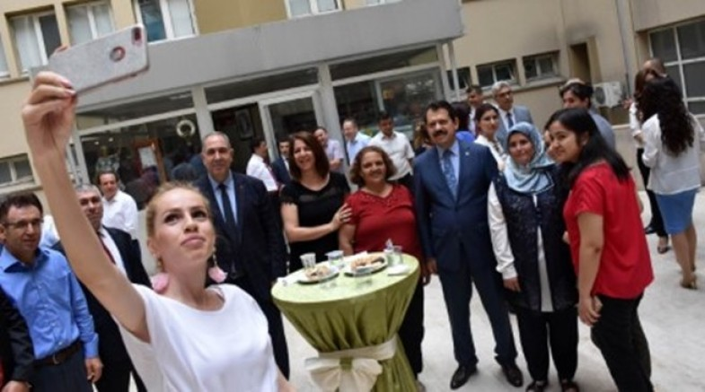 Adliye'de Bayram selfiesi