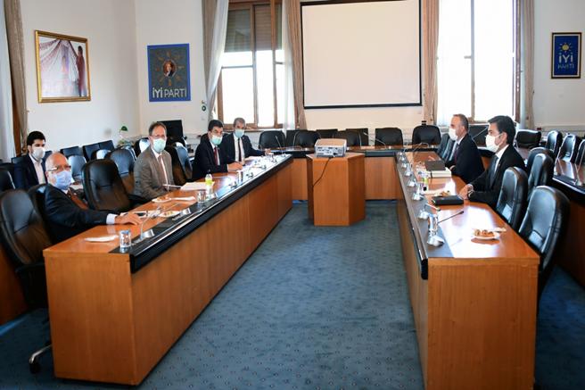 AK Parti Grup Başkanvekilleri, İYİ Parti Grubunu ziyaret etti