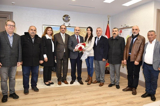 Alevi Kültür Derneği Adana Şube yöneticilerinden vali Demirtaş'a ziyaret