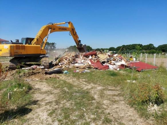 Başkan Mesut Üner, göz açtırmıyor, tüm kaçak yapılar yıkılıyor