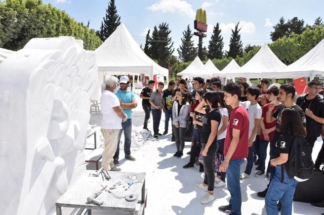 Büyükşehir Belediyesi, Adana'ya 15 heykel kazandıracak