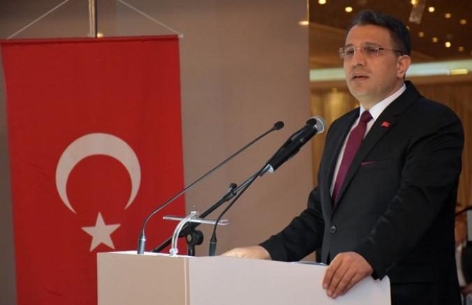 'FETÖ ile mücadelemiz, ulusal güvenliğe tehdit oluşturmaktan çıkıncaya kadar sürecek'