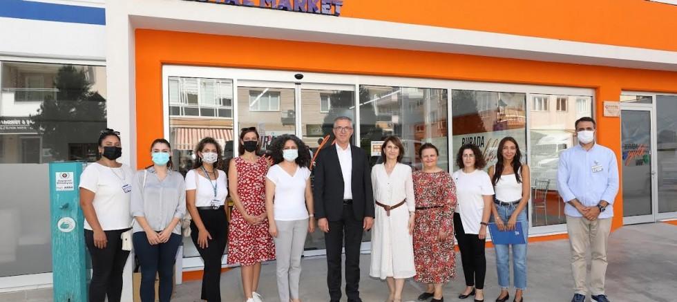 Gaziemir'in İyilik Merkezi Sosyal Market 1 yaşında