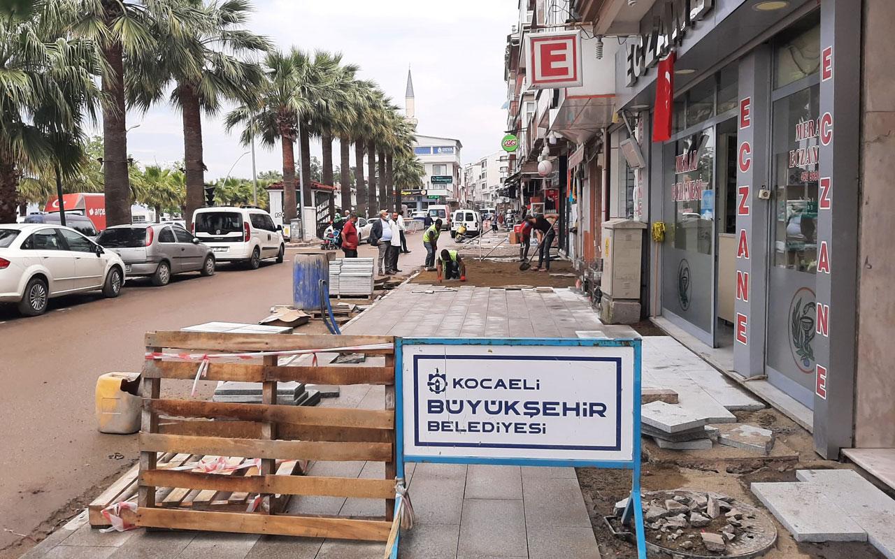 Kocaeli Karamürsel'de altyapı sonrası kaldırımlara revize