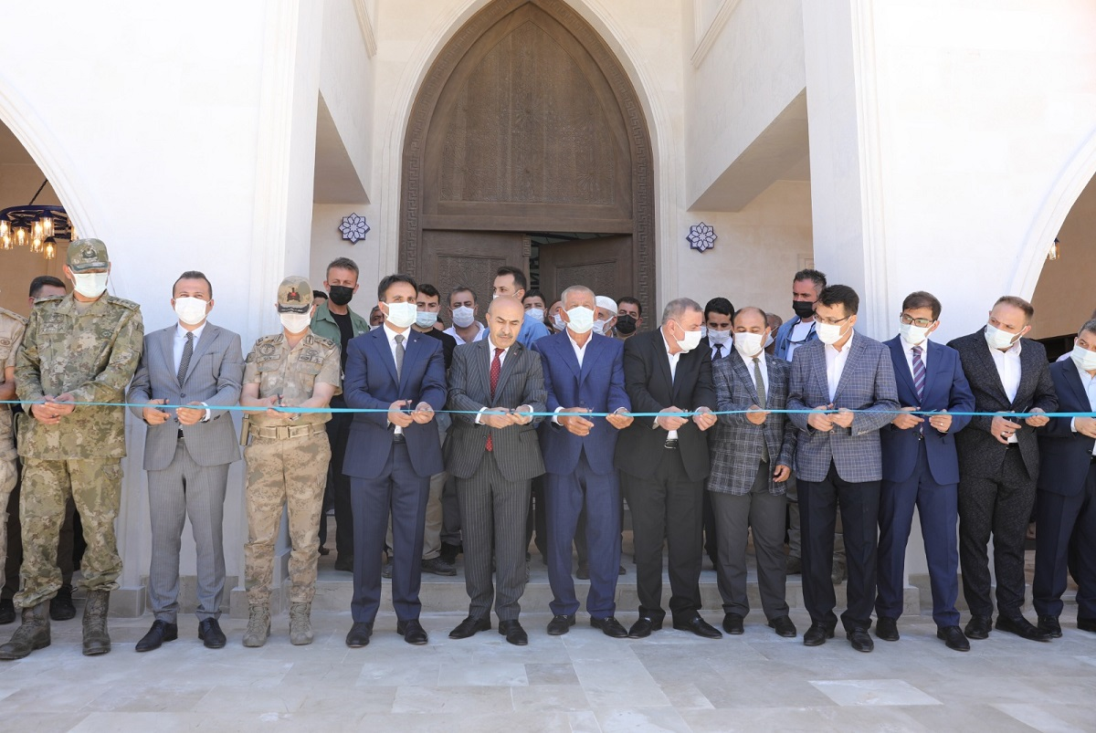 Mardin Valisi Sivrice Cami'ni açtı