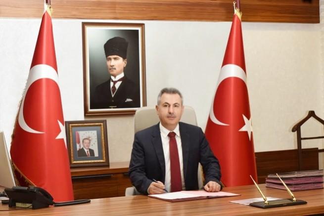 Vali Elban'dan 24 Kasım Ögretmenler günü kutlama mesajı