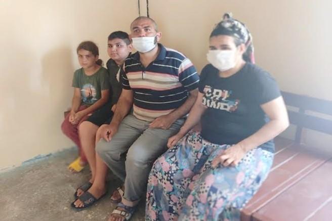 Zihinsel Engelli Eşi ve 2 Çocuğuyla Harabe Evde Yaşam Savaşı Veriyor